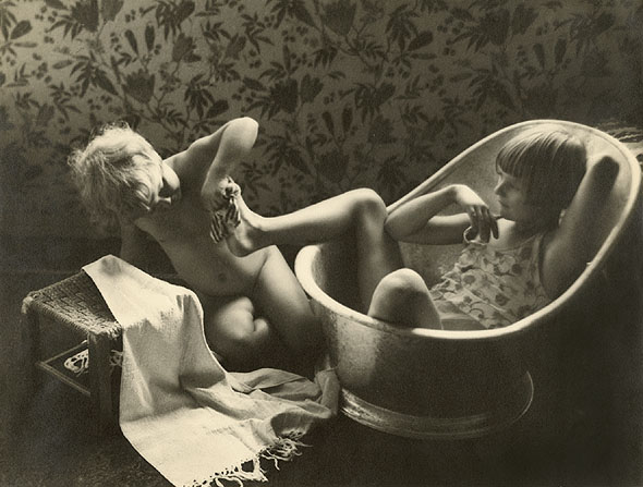 Bettina Wautner TwoChildrenBathing
