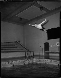 Vintage shot of a dive in Erie school, Erie, Pennsylvania.jpg